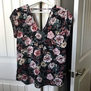 Halogen Tops - Halogen Short Sleeve Floral Blouse Size M